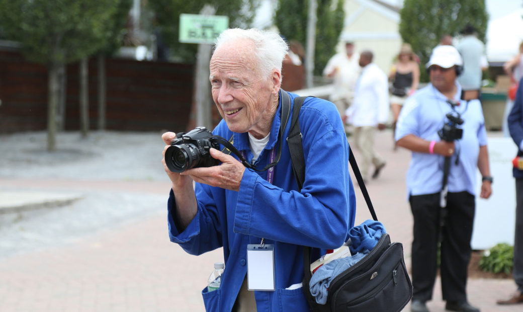 <h1>Famed Fashion Photographer Bill Cunningham Passes Away At 87</h1>