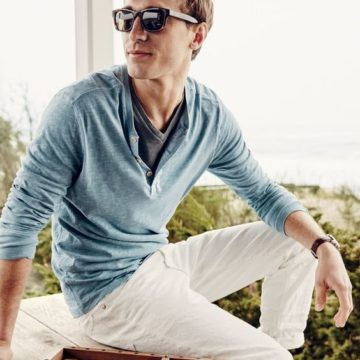 2 Alternatives To The V-Neck That Every Guy Needs- URBANCREWS